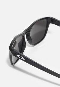 Oakley - MANORBURN UNISEX - Sunglasses - matte grey ink/black - 2