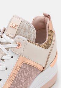 MICHAEL Michael Kors - GEORGIE TRAINER - Sneakers laag - natural/multicolor - 6
