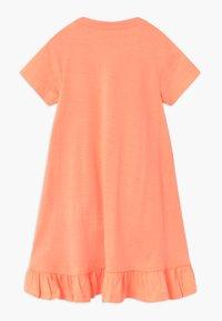 Blue Seven - SMALL GIRLS KOALA - Žerzejové šaty - flamingo - 1