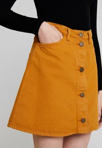 Monki - MARY SKIRT - A-line skirt - tobacco - 3
