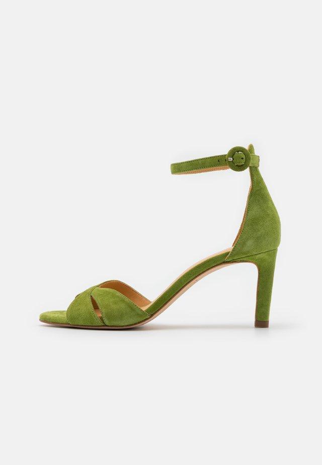 Sandalen - yaca green