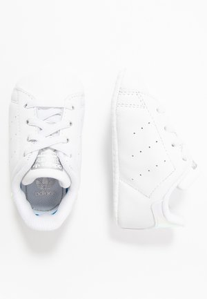STAN SMITH CRIB - Krabbelschuh - footwear white/silver metallic