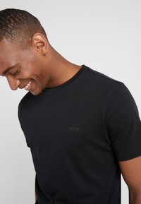 BOSS - TRUST - Basic T-shirt - black - 3