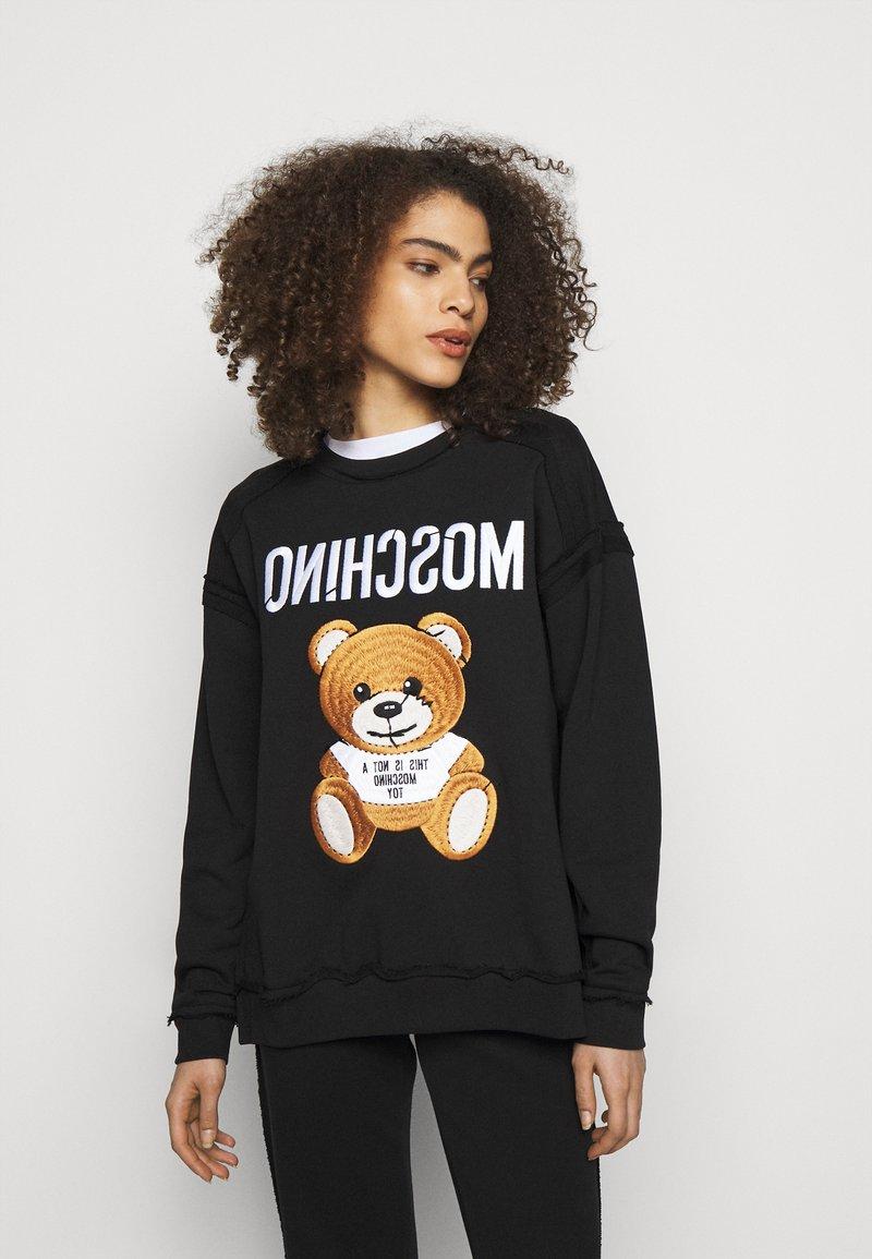 MOSCHINO - Sweatshirt - fantasy print black