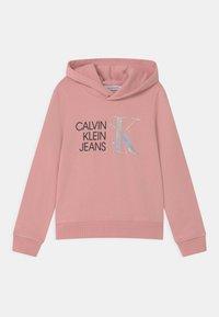 Calvin Klein Jeans - HYBRID LOGO HOODIE - Sweat à capuche - pink - 0