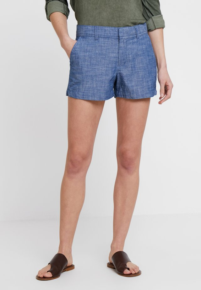CITY SHORT CHAMBRAY - Shorts - medium indigo
