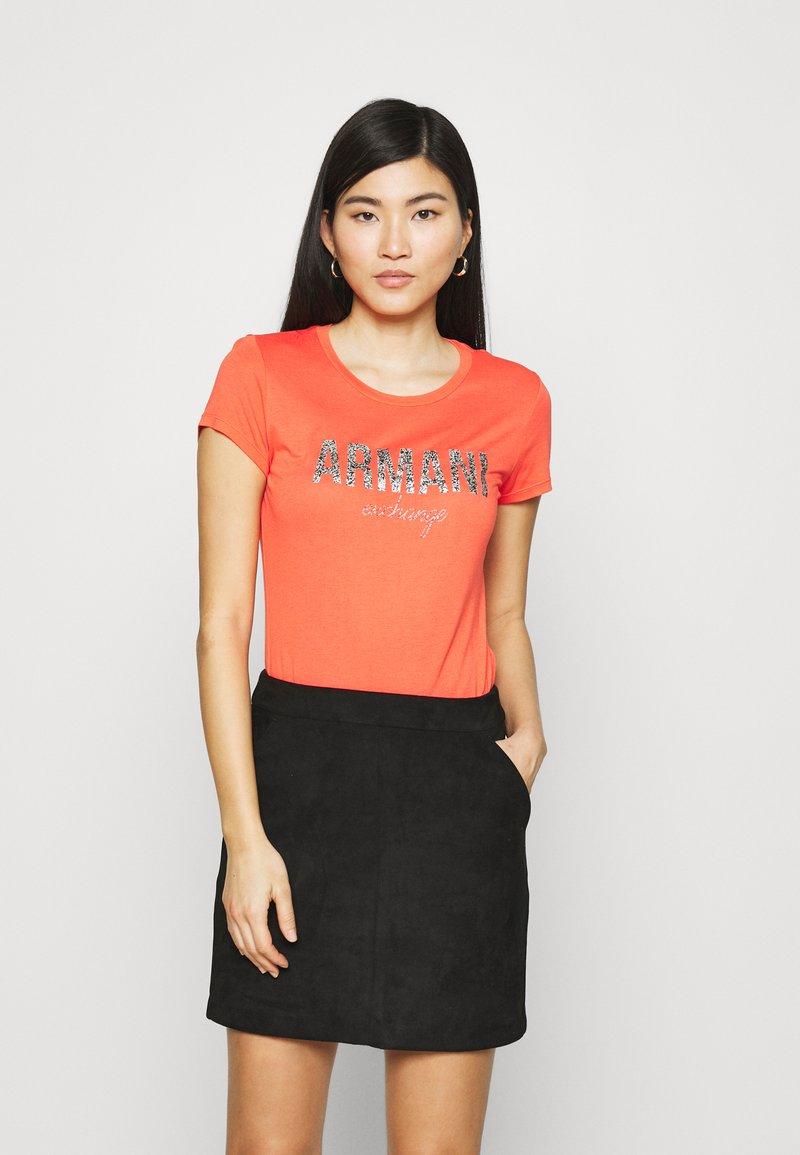 Armani Exchange - Print T-shirt - sangria