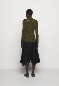 Proenza Schouler White Label - ABSTRACT SWIRL SHEER STRETCH - Long sleeved top - military/black - 2