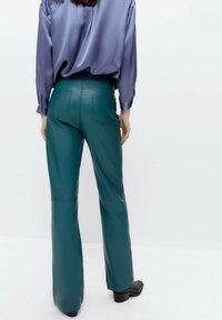Uterqüe - Leather trousers - green - 2