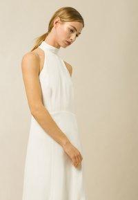 IVY & OAK - MEGAN - Společenské šaty - snow white - 3
