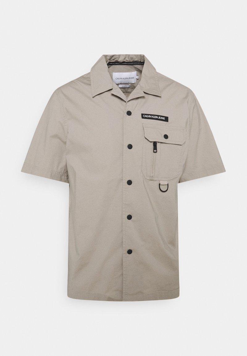 Calvin Klein Jeans - TECHNICAL CAMPER - Shirt - string