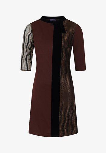 PRINCESS SEAM WITH VELVET - Robe d'été - chocolate jersey