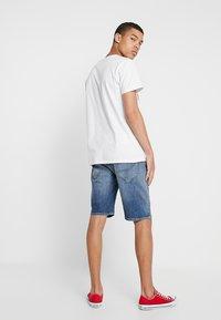 Amsterdenim - MOKUM - Shorts di jeans - steen - 2