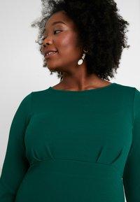Dorothy Perkins Curve - EMPIRE WAIST BODY CON DRESS - Jersey dress - green - 3