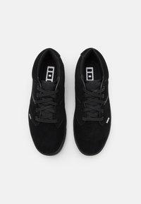 ION - SHOE SEEK AMP - Hiking shoes - black - 3