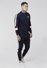 SIKSILK - RETRO PANEL TAPE CREW - Sweater - navy/red/off white - 1