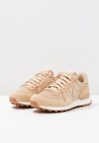 Nike Sportswear - INTERNATIONALIST - Baskets basses - sail/med brown - 3