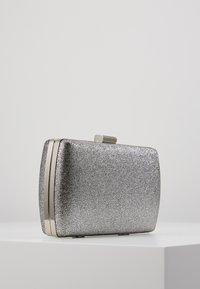 Dorothy Perkins - BOX - Clutch - silver - 3