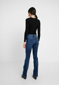 Pepe Jeans - NEW PIMLICO - Flared Jeans - blue denim - 2