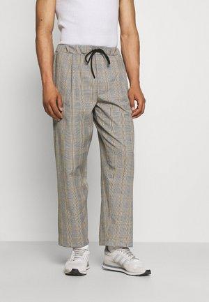 BAGGY CARPENTER TROUSERS - Pantalon classique - beige