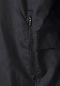 Nike Performance - ESSENTIAL JACKET PLUS - Sports jacket - black/silver - 2