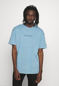 Nike Sportswear - Print T-shirt - light blue - 0