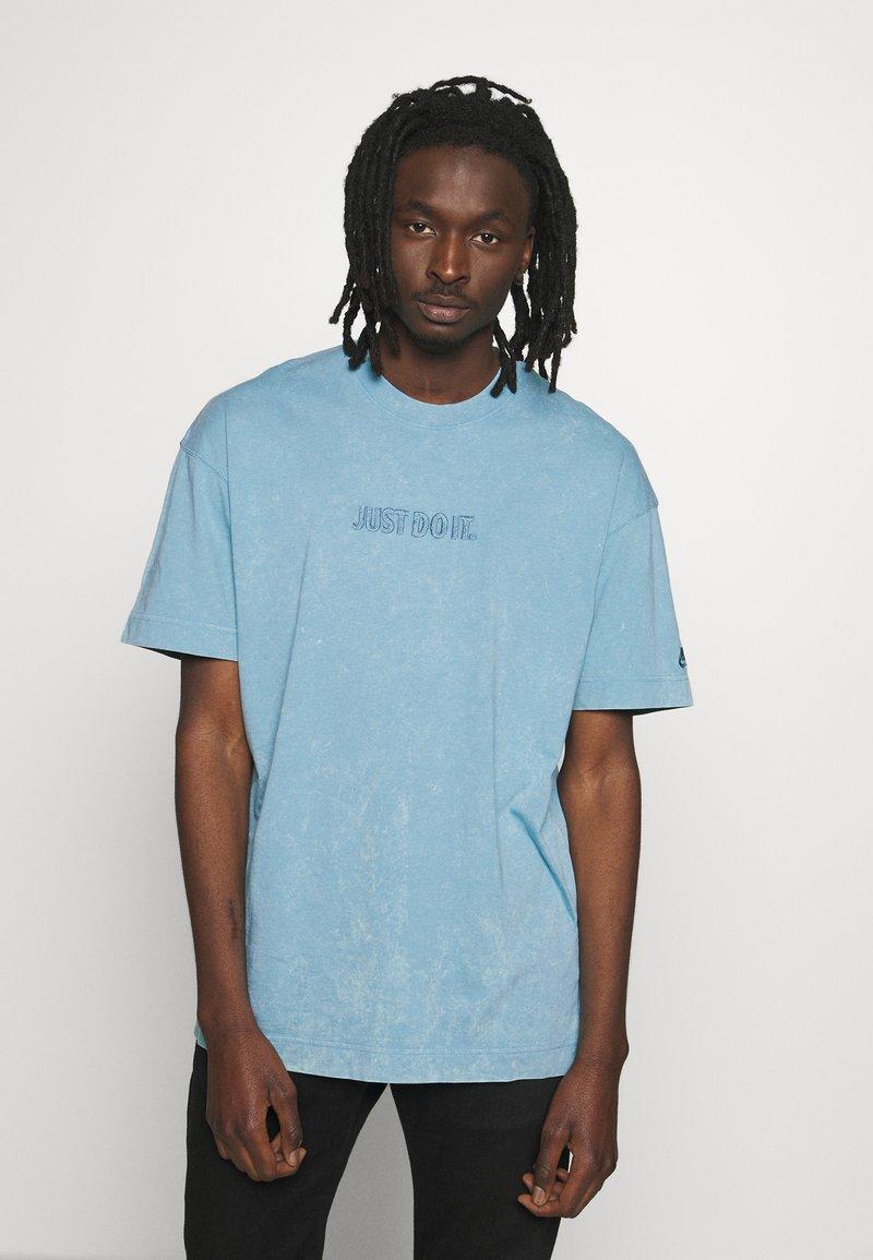 Nike Sportswear - Print T-shirt - light blue
