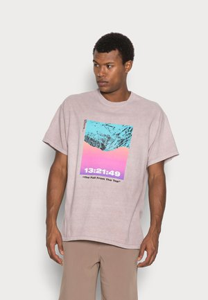 MOUNTAINS TEE - Print T-shirt - lilac