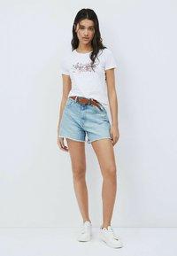 Pepe Jeans - Print T-shirt - blanco off - 1