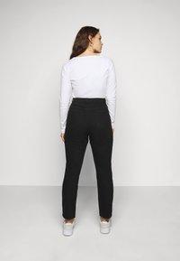 Missguided Plus - WRATH HIGH WAISTED - Jeans straight leg - black - 2