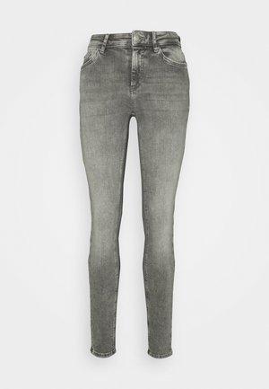 ONLBLUSH MID WAIST  - Jeans Skinny Fit - grey denim
