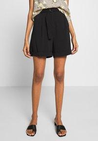 Soft Rebels - SRKATRINA - Shorts - black - 0