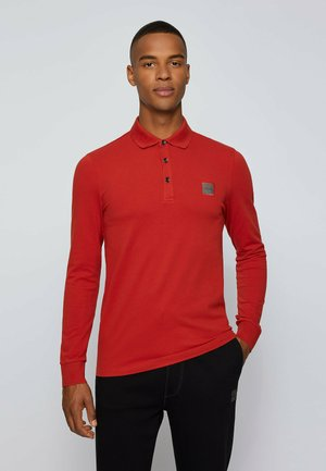 PASSERBY - Polo shirt - red