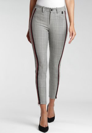 Trousers - white houndstooth
