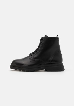 LACE UP BOOT - Snörstövletter - black