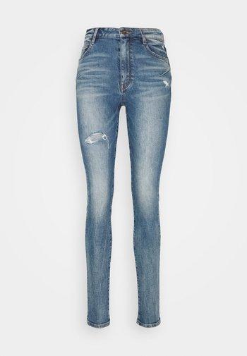 Skinny džíny