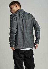Anerkjendt - AKHERBERT - Shirt - glacier gray - 1