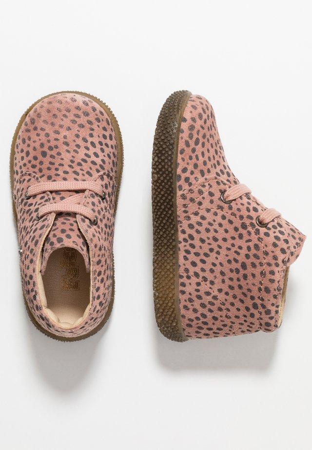 SEAHORSE - Baby shoes - rosa