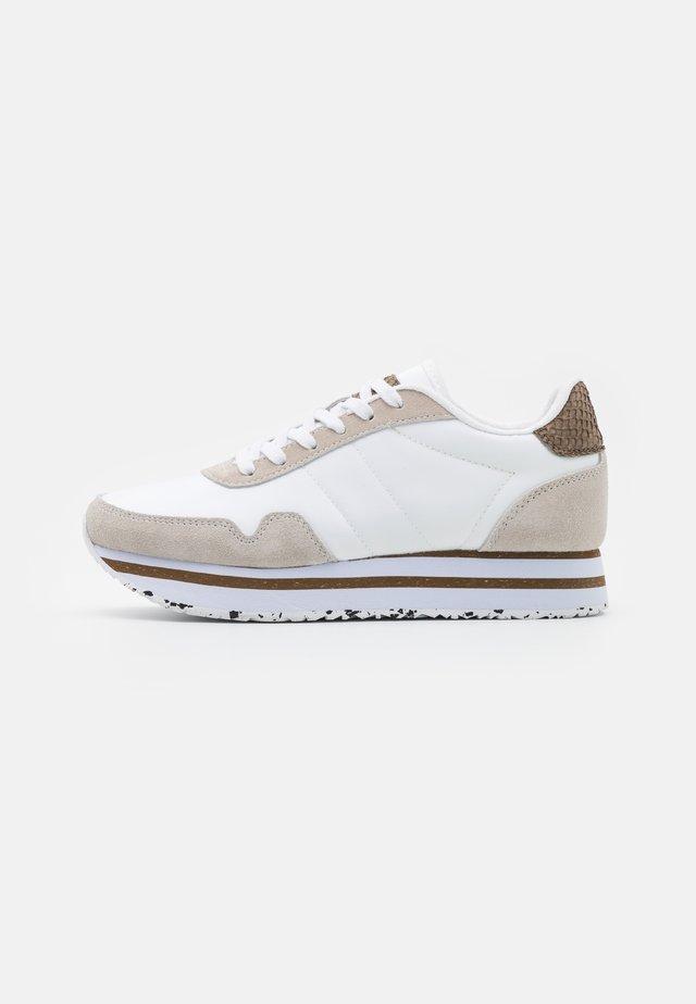 NORA III PLATEAU - Sneakers laag - bright white