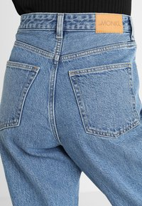 Monki - Jeans relaxed fit - blue - 4