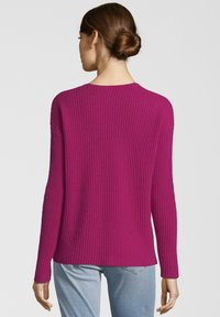 Princess goes Hollywood - MIT V-AUSSCHNITT - Maglione - berry - 1