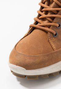 ECCO - EXOSTRIKE KIDS - Šněrovací kotníkové boty - amber - 2