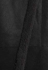 VSP - CURLY FLORANCE - Płaszcz zimowy - black/antracite - 2