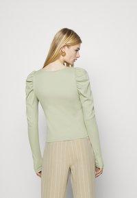 Monki - OFELIA - Long sleeved top - green dusty light - 2