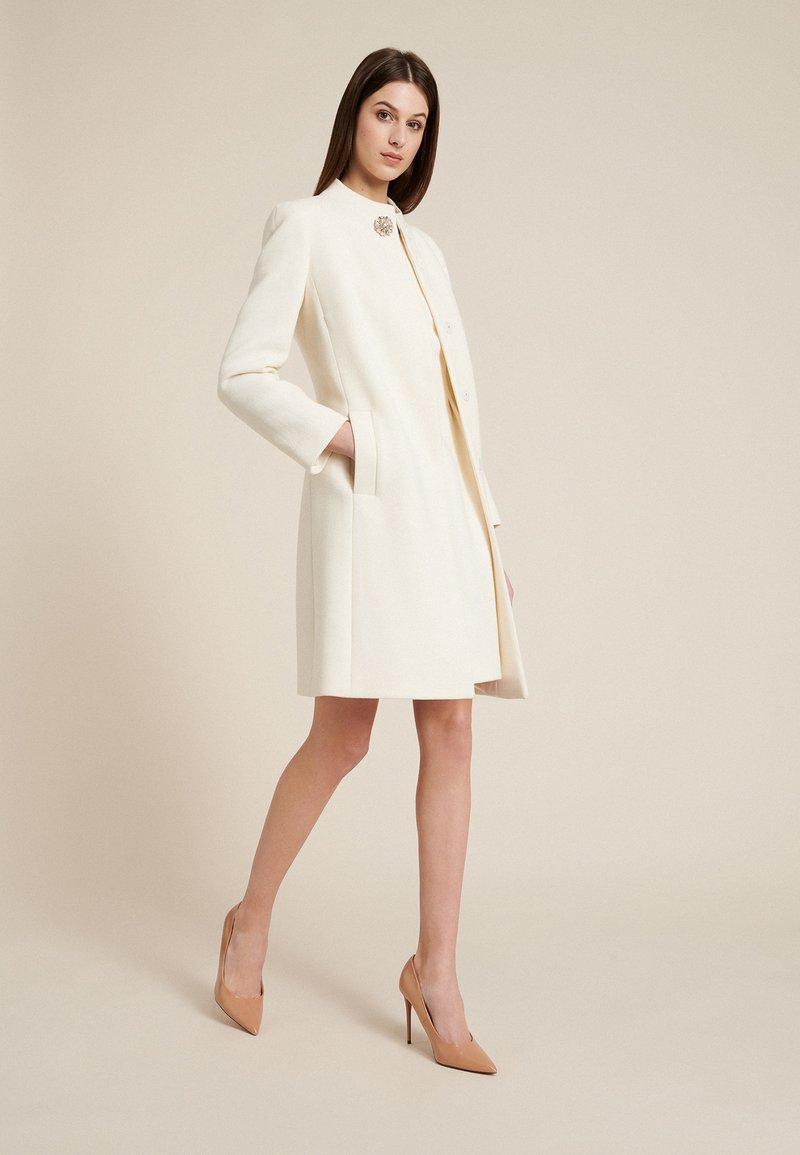 Luisa Spagnoli - STELLATO - Classic coat - panna