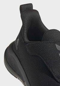 adidas Performance - FORTARUN RUNNING - Obuwie do biegania treningowe - black - 8