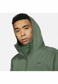 Nike Sportswear - ANORAK  - Windbreaker - galactic jade galactic jade - 5