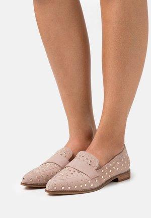 Loaferit/pistokkaat - nude