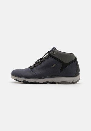 UXBABX - Höga sneakers - navy