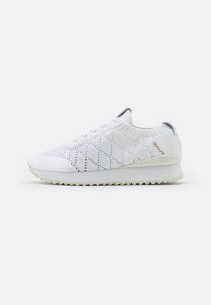 BEVINDA - Trainers - white